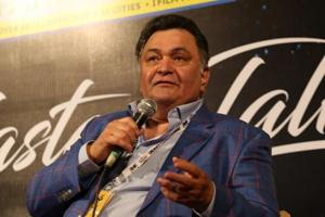 Rishi Kapoor trolled for tweet demanding topless moment at Women's...