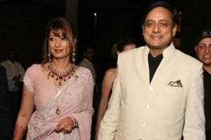 Delhi HC seeks Subramanian Swamy's response to plea by Sunanda...