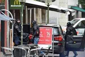 Chainsaw attacker wounds 5 in Swiss town, police launch manhunt