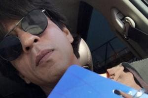 Shah Rukh Khan goes incognito with AbRam. Internet outs him anyway,...