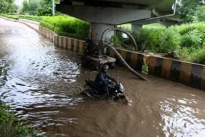 Noida to use power backup for pumps to clear waterlogging