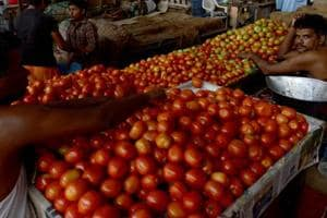 Tomato prices soar to Rs 100/kg in Delhi-NCR due to low supply