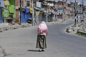 Mixed response to Hurriyat's shutdown call in Kashmir