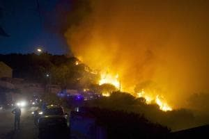 10,000 evacuated overnight as new wildfire breaks out in France