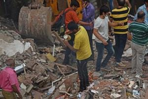 Mumbai building collapse: How neighbours comforted Ghatkopar residents...