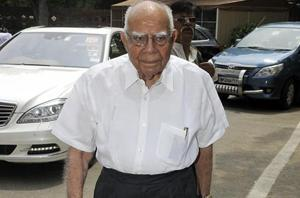 Jethmalani accuses Kejriwal of lying in defamation case, quits as his...