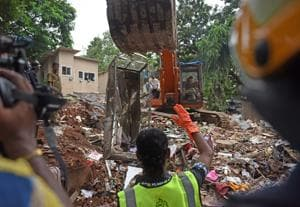 Mumbai building collapse: After 30 hours, rescue ops at Ghatkopar end,...