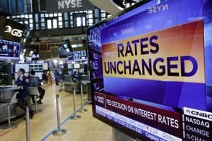 Federal Reserve keeps key interest rates unchanged amid low inflation