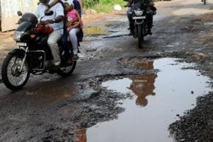CAG finds gaping holes in road construction process in UP