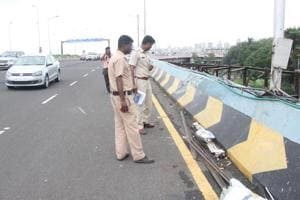 Mumbai flyover car crash: How a tree, traffic signal and airbags saved...
