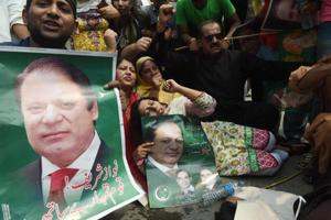 Nawaz Sharif resigns after court disqualifies him, younger brother...