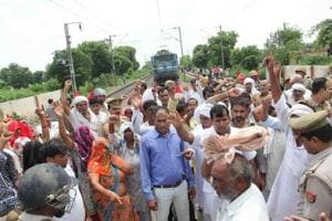 G Noida: Farmers block trains, demand hiked land compensation