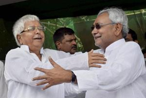 Bihar power game: Lalu loses Nitish, but finds new friends