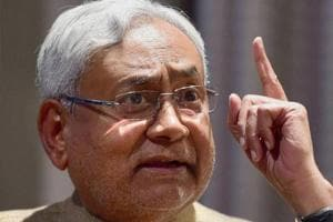 Bihar CM and JD (U) national president Nitish Kumar broke away from alliance partners .