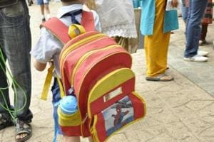 Schools admit they have not succeeded in reducing the weight of the bags