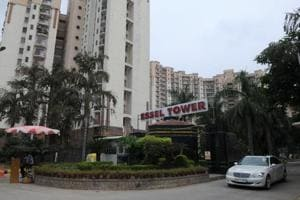 There was a six hour tussle on Friday night, between the tenants and the Residents Welfare Association of Essel Towers (ETRWA), an upscale locality on MG Road, in Gurgaon.