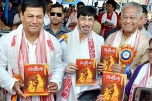 Former Assam chief minister Tarun Gogoi (right) has said CM Sarbananda Sonowal (left) has allowed to RSS to run the government.