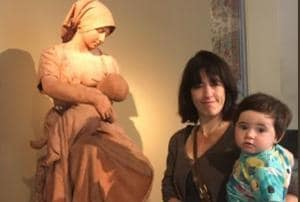 A woman breastfeeding her one-year-old child was asked to 'cover up' her breast in London's Victoria and Albert museum.