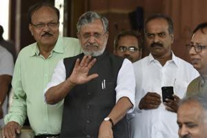 Bihar DyCM Sushil Modi's convoy attacked, escapes unhurt