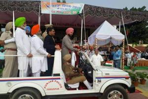 A picture of the event that's doing the rounds on social media shows how, besides the DC and SSP, former minister Zira, MLA Satkar Kaur, localCongress unit chief Chamkaur Dhindsa and a leader named HS Khosa boarded the open top Gypsy.