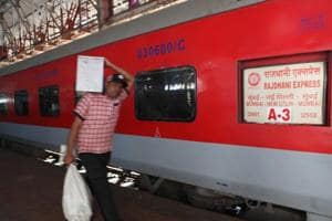 Passengers of Delhi-Mumbai Rajdhani Express allege theft of Rs 10...