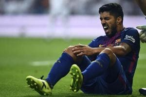 Luis Suarez out for 4 weeks with right knee injury, blow for FC...