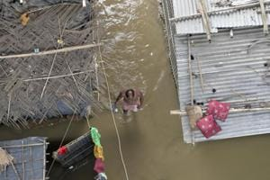 Thousands living under open sky in flood-hit Bihar