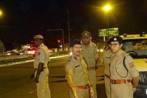 Suspected robbers arrested by Noida Police after late night chase,...