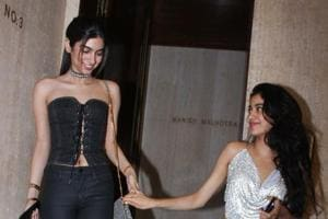 In pics: Jhanvi Kapoor, Khushi glam up mom Sridevi's star-studded...