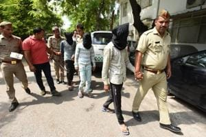 Noida: Four suspected robbers held after late-night encounter