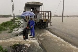 Flood bill of approx Rs 150cr for railways in 7 days in Assam, Bihar,...