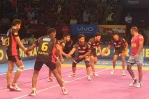 Jaipur Pink Panthers pip Bengaluru Bulls in Pro Kabaddi League...