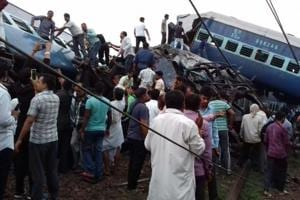 In pics: 10 dead, 30 injured as 14 coaches of Utkal Express derails...