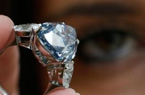 Surat: 15-year-old boy of watchman returns diamonds worth Rs 45 lakh