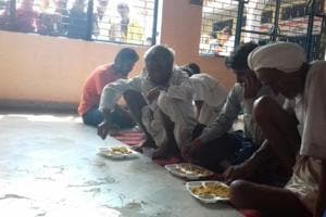 Utkal Express derailment: Temple runs free kitchen for  accident...