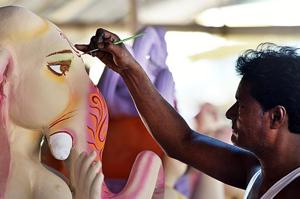 Photos| In God's image: Idol makers gear up for the festive season