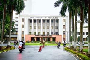IIT Kharagpur accepts resignation of whistle-blower professor who got...
