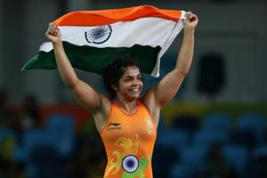 Sakshi Malik, Bajrang Punia eye medal at World Wrestling Championships