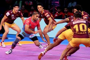 Pro Kabaddi League: Jaipur Pink Panthers edge past UP Yoddha