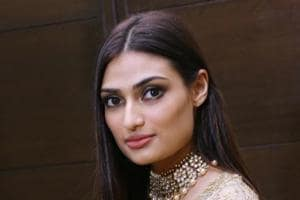 Athiya Shetty on Suniel Shetty: I am going to learn from my father's...