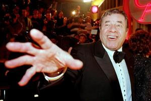 Jerry Lewis, comedian, showman and telethon host, dies at 91