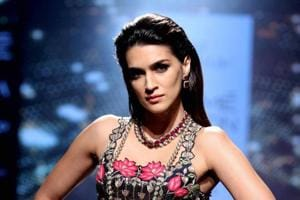 Lakme Fashion Week: Sunny Leone, Kriti Sanon, Jacqueline bring...