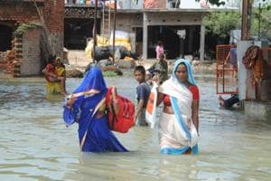Flood maroons 400 Gorakhpur villages as rivers' rage continues