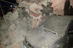 Earthquake hits Italian island, one dead, 25 injured