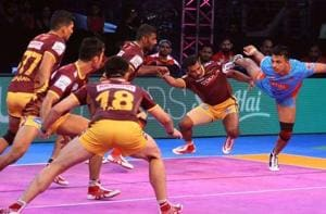 Pro Kabaddi League 2017: Bengal Warriors pip UP Yoddha in close...