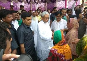 Nitish promises full rehab for flood victims, lauds Narendra Modi for...