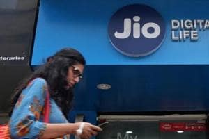 JioPhone bookings to start from Thursday for Rs 500