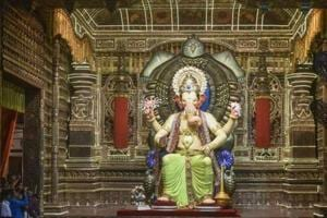 A visit to Lalbaugcha Raja is believed to fulfil all your wishes and attracts millions of visitors.