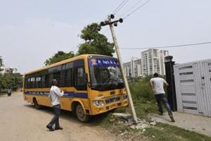 The bus driver was away when the conductor got behind the steering wheel. He could not control the vehicle and hit an electric pole.