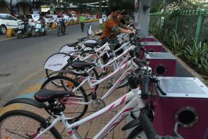 People check out bikes at the newly-inaugurated cycle stand near Viviana Amll on Thursday.